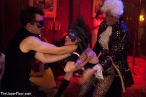 une orgie sadomaso pour Halloween
