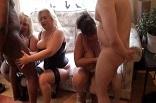 orgie de gros seins à domicile