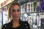 à l'Eros Center, dans l'ambiance torride d'un sexshop de Marseille