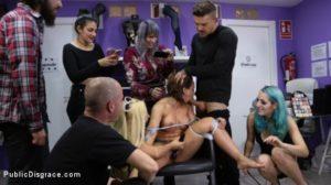 humiliation d'une libertine dans une boutique de lingerie