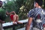 exhib et baise à la chaine près du Pont du Gard